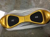 """fora do """"trotinette"""" de equilíbrio da roda do """"trotinette"""" 2 da estrada com o """"trotinette"""" elétrico leve de Bluetooth e de mobilidade do diodo emissor de luz"""