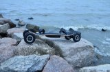 Planche à roulettes électrique à quatre roues de panneau de montagne