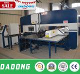 自由のための海外サービスのCNCのタレットの打つ機械