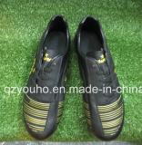 新しい方法Googの品質の黒の屋外のサッカーの靴