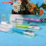 Vollkommene bunte sich verjüngende erwachsene Zahnbürste