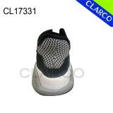 Pattini correnti della scarpa da tennis di sport degli uomini con la suola di gomma