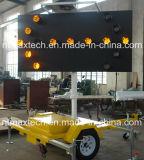 De Zonne Opgezette Aangedreven en Aanhangwagen van het Teken van de Raad van de Pijl van het verkeer