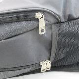 黒い屋外スポーツ袋のバックパック
