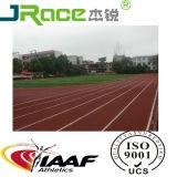 Vertido plena pista de atletismo atlético