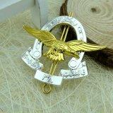 工場直接卸し売り鋳造のペンキの金のカスタム一流の金属のバッジ