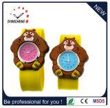 El broche de presión divertido del silicón de los niños de los cabritos de los cabritos del reloj menor de la palmada embroma el reloj de goma de la muñeca