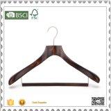 Kundenspezifische preiswerte hölzerne Kleiderbügel-Klage-Aufhängung für Tuch-System