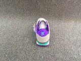 熱い方法女性の偶然のスニーカーの靴