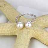 un anello d'acqua dolce reale rotondo delle due perle di 6mm AAA