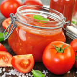 Законсервированный томатный соус, пюре томата, затир томата