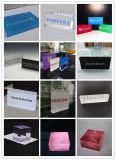 アクリルのブランドのロゴのブロックを立てるデスクトップ