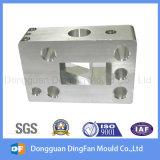Pieza que trabaja a máquina del CNC del aluminio del fabricante con la anodización
