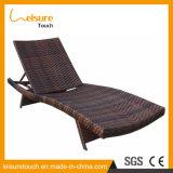 Jardín en la azotea Balcón al aire libre muebles de ratán sillas de la piscina Tumbona Salón mentira de la cama