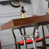 옥외 정원 가구를 가진 새로운 대중음식점 나무로 되는 테이블