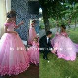 ピンクによっては肩のウェディングドレスHb196を離れて花嫁の夜会服が開花する