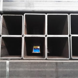 ASTM A500 GR. un tubo cuadrado de acero negro con la superficie del petróleo