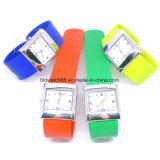 Reloj caliente del silicón de la venda de la palmada de la venta con el movimiento de Japón
