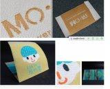As etiquetas para a roupa/projetam etiquetas tecidas