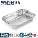 처분할 수 있는 당은 음식 콘테이너 또는 격판덮개를 알루미늄 호일 음식 콘테이너 밖으로 취한다