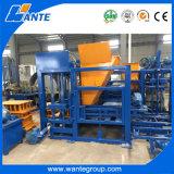 Línea completamente automática de la máquina del bloque Qt4-15, línea de la máquina del bloque de cemento