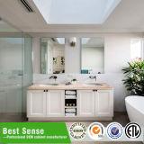 Muebles clásicos del cuarto de baño de madera sólida
