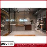 Nuevas guarniciones de la tienda de la ropa de las señoras de la llegada, accesorios de la tienda de la fábrica