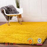 毛羽織り敷物の居間及び寝室の固体黄色5*8領域敷物のシャギーなカーペット