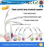 Lampada di scrittorio senza fili dell'altoparlante di Bluetooth con indicatore luminoso caldo/freddo per lo studio/che si accampa
