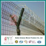 Rete fissa dell'aeroporto ricoperta PVC del reticolato di saldatura/recinzione obbligazione dell'aeroporto con il collegare del rasoio