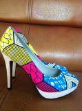 Neue Art-afrikanische gedruckte Gewebe-Absatz-Dame-Schuhe (HCY02-1396-1)