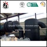 Betätigter Kohlenstoff, der Maschine herstellt