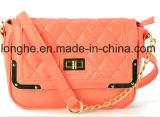 Neue Ankunft gesteppte Entwerfer-Dame-Form-Kurier-Handtaschen (ZX180)