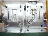 Пластмассовая литьевая пресс-форма для внутренней и внешней частей труб