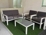 Le sofa en aluminium blanc résistant UV anti-vieillissement a placé pour extérieur