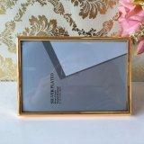 Frame de veludo do frame do metal do ouro