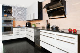 Alta mobilia di legno dell'armadio da cucina di lucentezza di nuovo colore bianco di disegno
