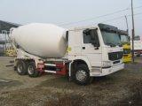 Sinotruk 336 HPのイタリア油圧の特別なトラックのミキサー
