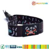 CMYK подгоняло wristbands ткани случая празднества конструкции NTAG213 NFC RFID с биркой RFID