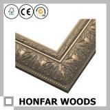 Marco de madera tallado retro de bronce de la foto