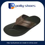PU Sole Summer New Design Thong Sandales plates en cuir