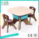 테이블과 의자 (HBS17076A)가 플라스틱에 의하여 농담을 한다