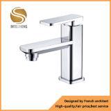 Taraud d'eau de robinet de bassin fait par Brass