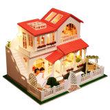 Casa de boneca de madeira da casa diminuta de DIY