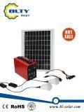 Solarbeleuchtungssystem mit Handy-Aufladeeinheit