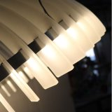 Lámpara pendiente redonda de acrílico de la alta calidad europea para la sala de estar