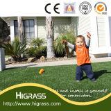 Tappeto erboso sintetico resistente UV amichevole del bambino