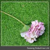 Fleur adaptée aux besoins du client colorée en plastique de soie artificielle de nouvelle conception