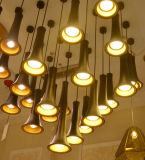 A suspensão preta moderna do diodo emissor de luz do alumínio ilumina a iluminação do pendente para o restaurante