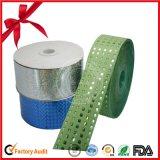 包装のタイプおよびクリスマスの機会PPのリボンのスプール
